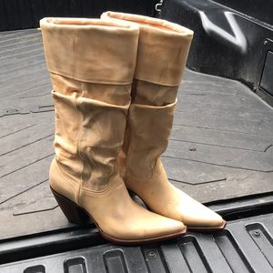 Old gringo tan slouch cowboy boots size 9